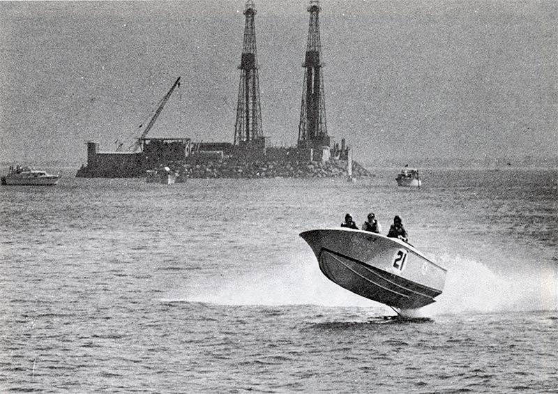 Thunderballs power boat in Long Beach