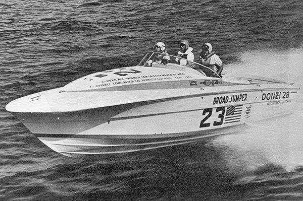 Power boat Big Broad Jumper