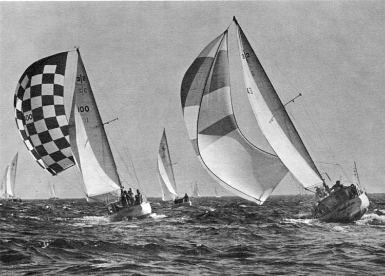Midwinters boats reaching with chutes